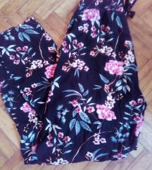 Cvetni pantaloni