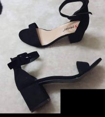 crni novi nenoseni sandali