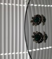 Обетки со темно зелен камен
