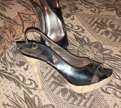 Nam*100den*Lakovani sandali