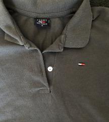 Се продава Tommy Hilfiger маичка