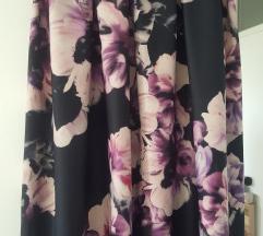Cvetna doteruvacka suknja