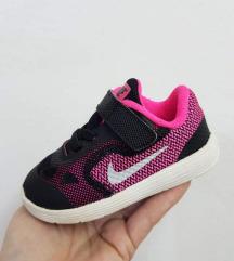 Nike br.21 kako novi preubavi