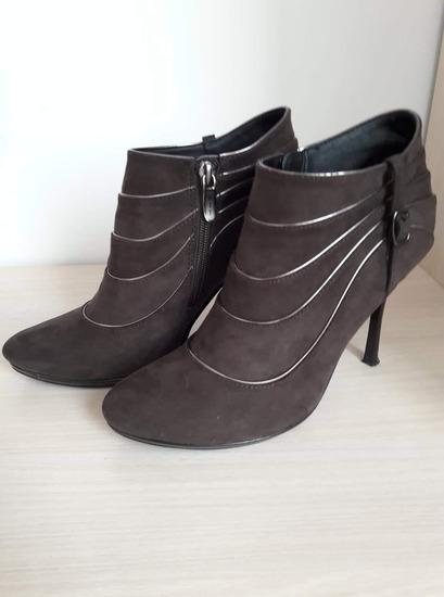 Нови чизмички