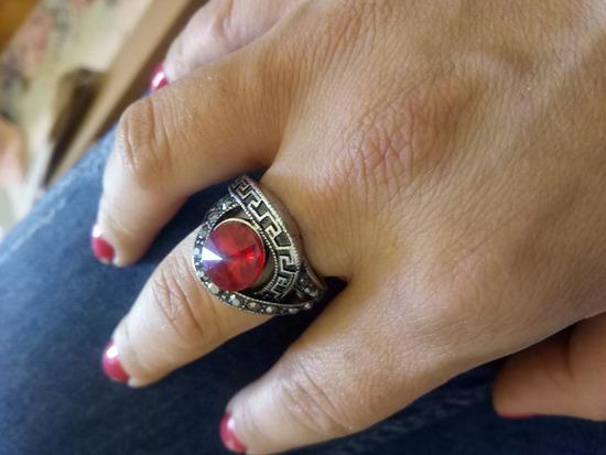Prsten so crven kamen 18