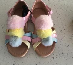 Novi H&M sandalcinja PRODADENI