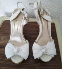 Sandali beli