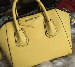 TOTAL CLEARANCE Givenchy luxe