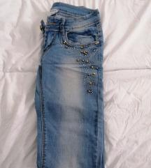 Фармерки со низок струк