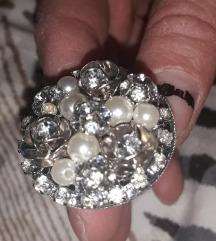 Нов прстен