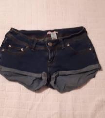 Kratki farmerski pantaloni