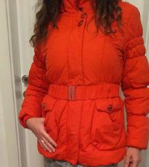 Црвена јакна