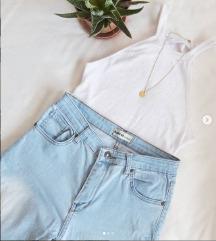 Тесни фармерки