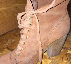 Два пара чизми како нови