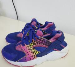 Nike huarrache br 34 kako novi