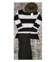 Terranova црно - бел џемпер