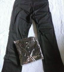 Klasicni crni pantaloni novi