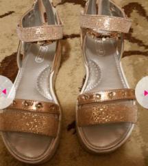 Preubavi sandali 35
