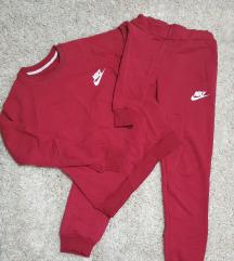 Trenerki Nike kako novi