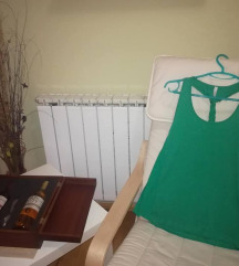 Stradivarius Нова зелена маица