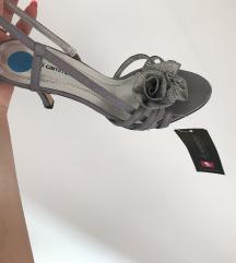 Novi sivo stebreni sandali