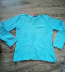 Убава небесно сина блузичка