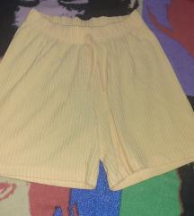 Жолти пантолонки