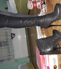 Чизми на штикла