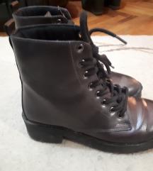 Кратки чизми