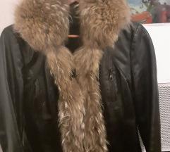 Kozna jakna so krzno.