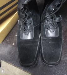 Кожни чизми бр 38