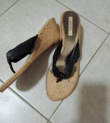 Papuci 38