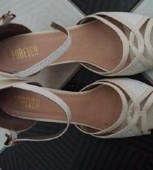 Novi FOREVER kremasti sandali 39