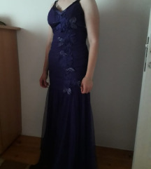 Lila fustan dolg