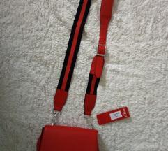 црвена чанта со етикета S OLIVER