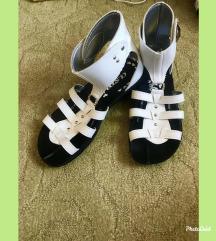 NOVI belo-crni sandali