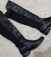 ➡️   Нови чизми до колена *1500