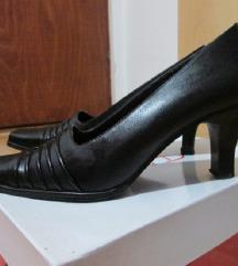 Црни нови конду ри за повозрасни