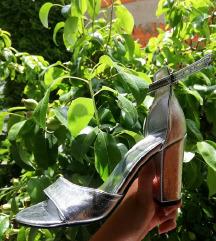 Елегантни сандали буквално нови