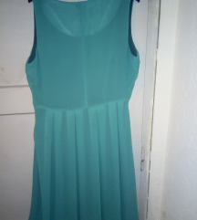 Зелен фустан