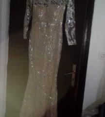 Svecen fustan nov