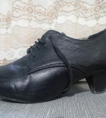 Затворени ниски чевлички