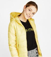 Светло жолта пролетна јакничка