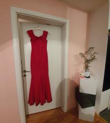 Црвен елегантен фустан