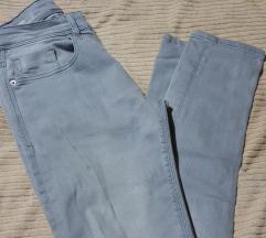 Ubavi slim maski  jeans M