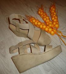 Novi kozzni sandali br. 39