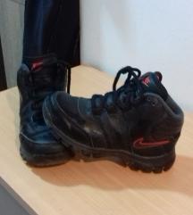 Nike visoka patika 29