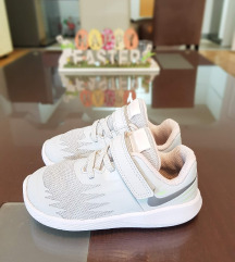 Nike flexi paticinja br.25