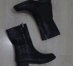 Нови црни чизми број 39