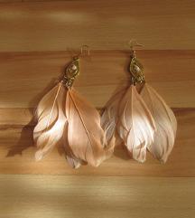 Нежно розе обетки со пердуви